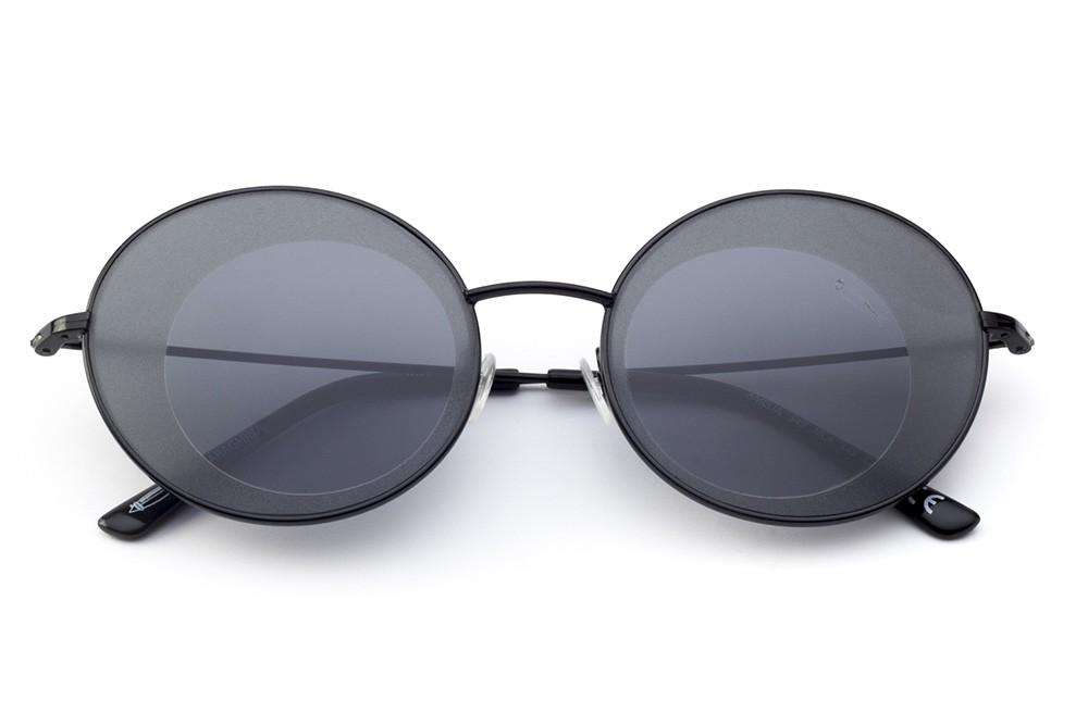 Black - Grey Lens